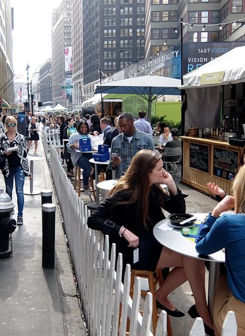 NYの新たな食のトレンドは、フード・コートやフード・フェアから?!_b0007805_2521499.jpg
