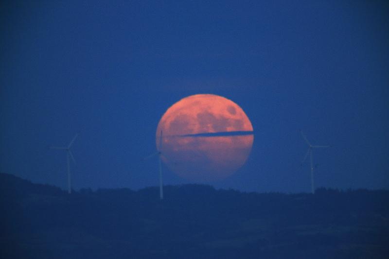 満月の昇る日(2015.10.27)_f0075075_18471542.jpg