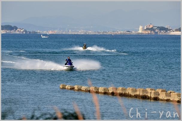 海風が少し冷たい 「湘南海岸」_e0219011_15522655.jpg