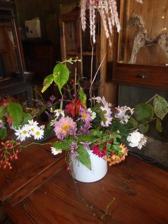 秋を愉しむ花しつらい^^_f0240834_22481750.jpg