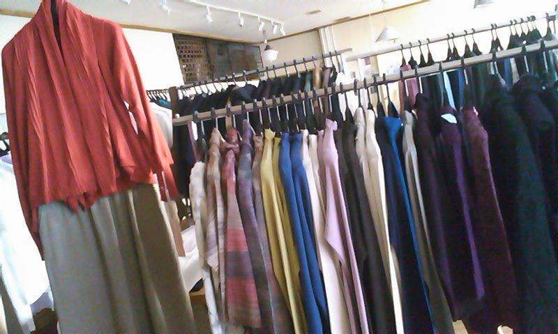 明日から「あき・ふゆの服」企画展がはじまります_b0237038_20371593.jpg