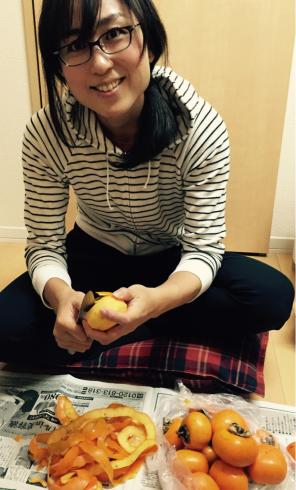 今年も干し柿作り始めました!_b0199244_00394275.jpg