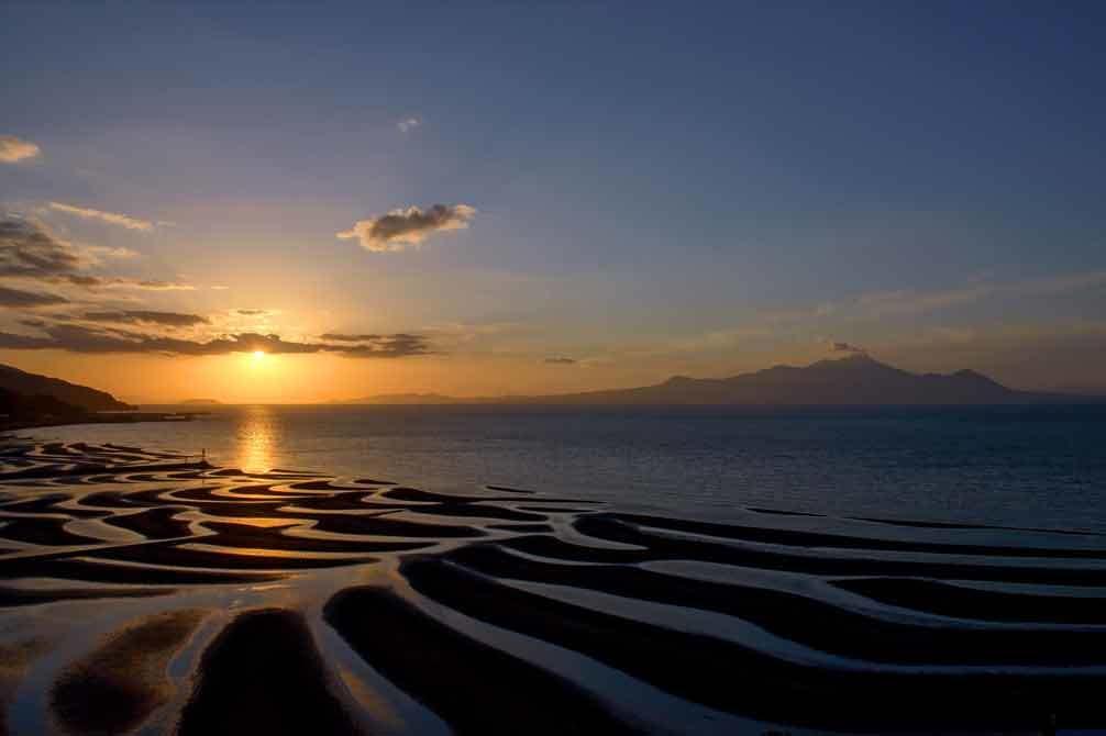 御輿来海岸にだるま夕陽_d0238245_23414805.jpg