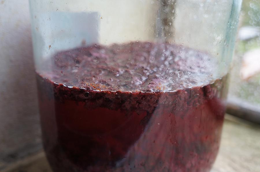 手作り赤ワインビネガー_f0106597_19213891.jpg