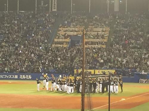 一年の集大成、今年もナマで観られて良かった。ホークス日本一おめでとう。_e0094804_2231987.jpg