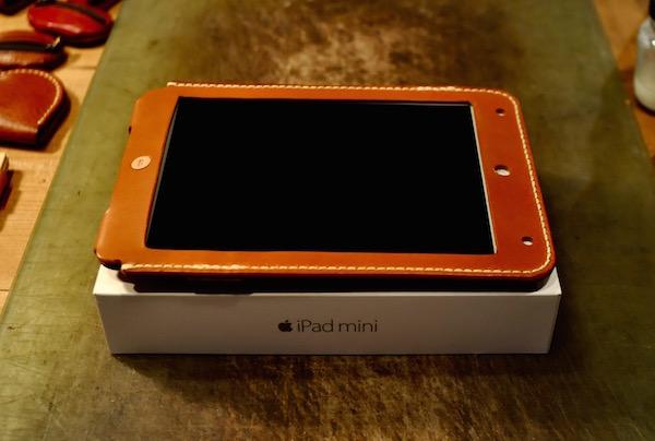 ipad mini 4 leather cover_b0172633_20332874.jpg