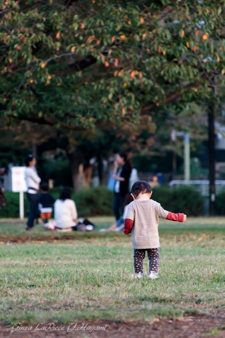 子供のいる風景 佇む男の子_b0133053_0543684.jpg