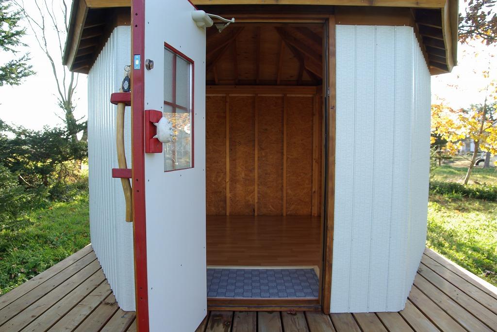 小屋作り・きっと今年はここまで編_a0107184_434669.jpg