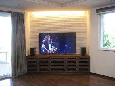 灯りを落として4Kテレビで映画を観よう☆_c0113001_17471473.jpg