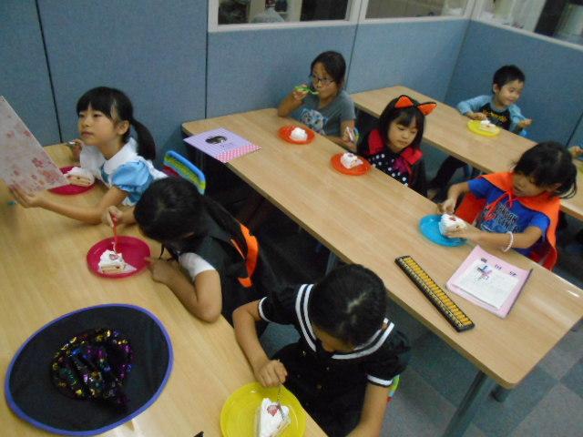 10月30日 お誕生日会&Halloween party_c0315908_18505165.jpg