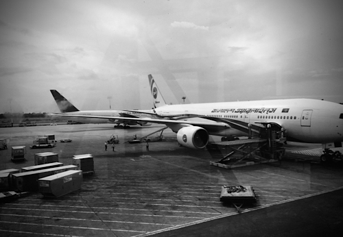 at the airport.._f0057849_14581859.jpg