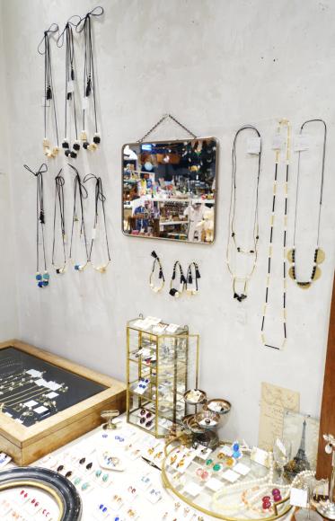【〜11/10】nichinichi 秋のアクセサリー展_b0184796_18395424.jpg