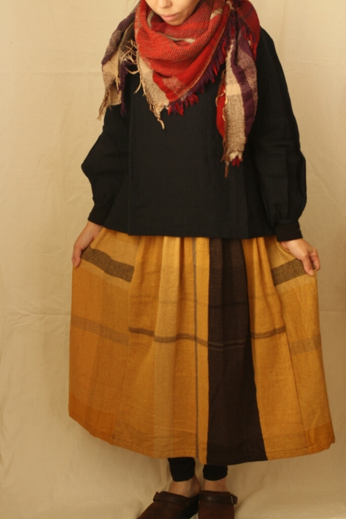 only one powan skirt & roots shawl square_c0118809_17445148.jpg