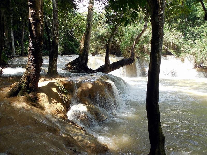 ルアンパバーン郊外のクアンシー滝_d0116009_8435186.jpg
