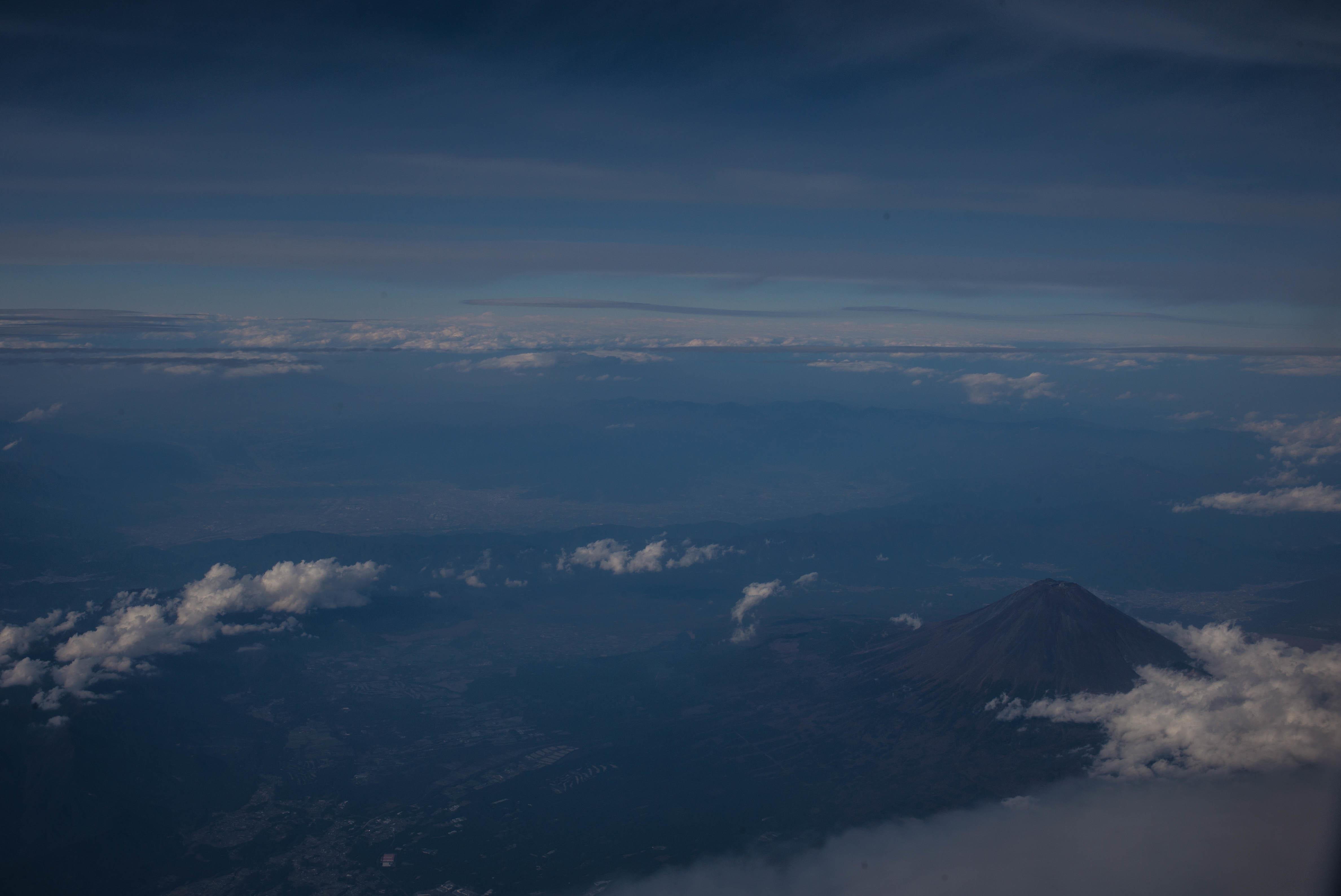 High-altitude sky  ・・・上空で・・・_f0333031_05310117.jpg