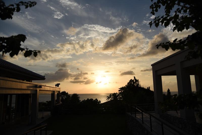 東シナ海に沈む夕日_d0001843_15292397.jpg