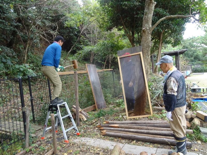 薪置き場作り in うみべの森_c0108460_21463203.jpg
