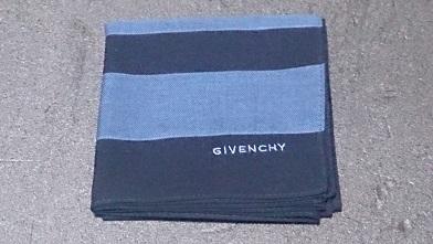 続・お出掛け用のハンカチを買いました 『ジバンシィ』ハンカチ_c0364960_23074106.jpg
