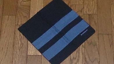 続・お出掛け用のハンカチを買いました 『ジバンシィ』ハンカチ_c0364960_23074597.jpg