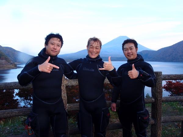 本栖湖ダイビングツアー!韓国チーム!_a0226058_17394642.jpg