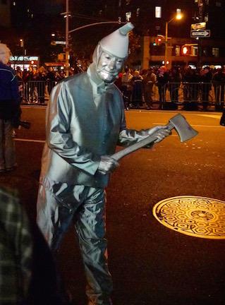 NYのハロウィン・パレード2015  ツボ大賞はムンクの「叫び」!_c0050387_16353591.jpg