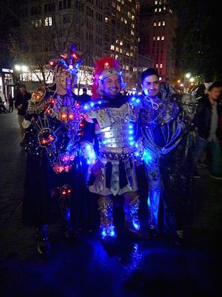 NYのハロウィン・パレード2015  ツボ大賞はムンクの「叫び」!_c0050387_163777.jpg