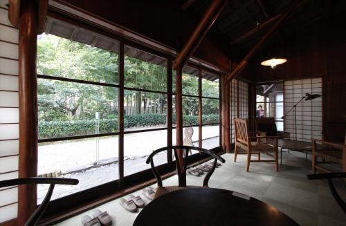 高崎の旧井上邸:居間_e0054299_11182201.jpg