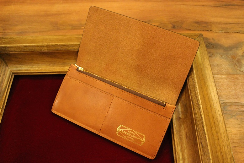 "SLOW ""DOUBLE OIL -LEATHER GOODS-\"" ご紹介_f0191324_1001015.jpg"