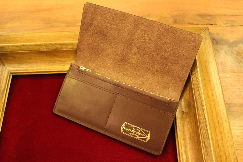 "SLOW ""DOUBLE OIL -LEATHER GOODS-\"" ご紹介_f0191324_1005996.jpg"