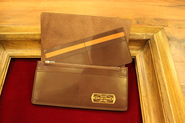 "SLOW ""DOUBLE OIL -LEATHER GOODS-\"" ご紹介_f0191324_1011267.jpg"