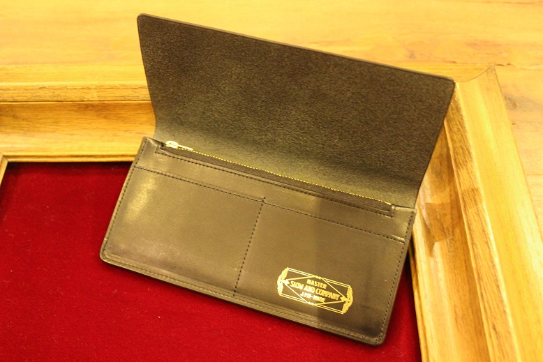 "SLOW ""DOUBLE OIL -LEATHER GOODS-\"" ご紹介_f0191324_1014965.jpg"