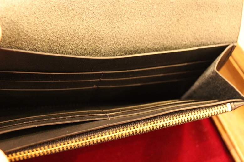 "SLOW ""DOUBLE OIL -LEATHER GOODS-\"" ご紹介_f0191324_101569.jpg"