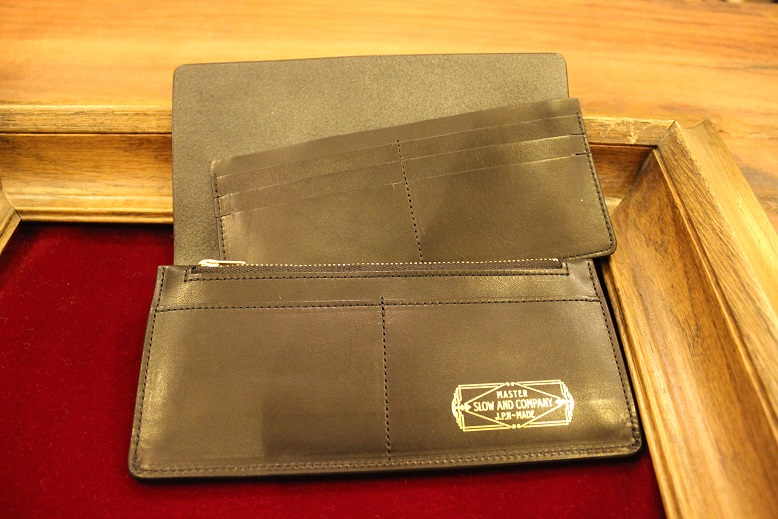 "SLOW ""DOUBLE OIL -LEATHER GOODS-\"" ご紹介_f0191324_102395.jpg"