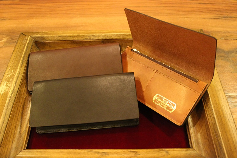 "SLOW ""DOUBLE OIL -LEATHER GOODS-\"" ご紹介_f0191324_9594816.jpg"
