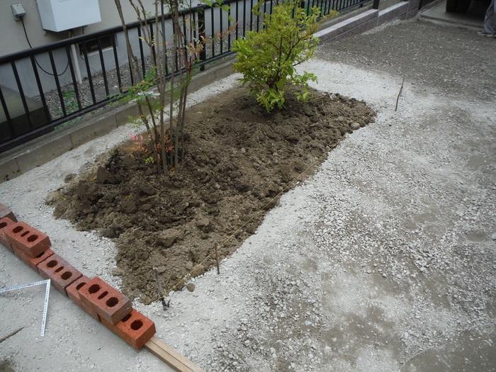 ガーディニング工事 ~ 花壇造り_d0165368_16255949.jpg