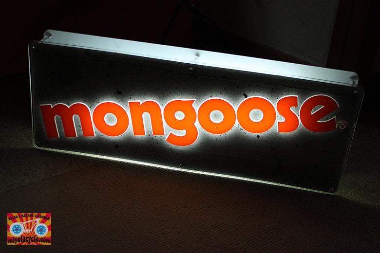 モトクロスインターナショナル 2016年モデル 展示会 『MONGOOSE』編_e0126901_06551537.jpg