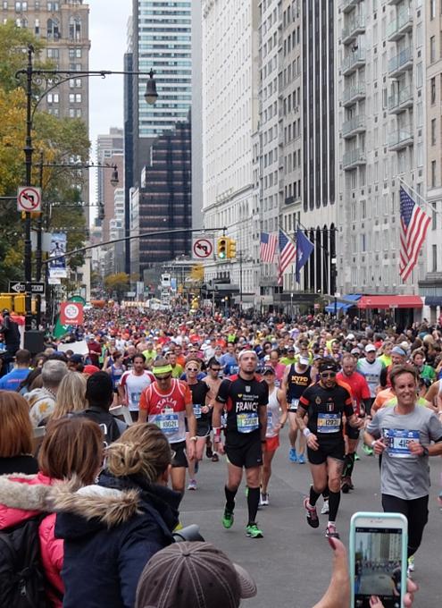 NYマラソン、ラスト1km、大声援飛び交う沿道の風景(動画付)_b0007805_237627.jpg