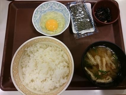 11/3 たまごかけごはん朝食¥220@すき家_b0042308_23395017.jpg