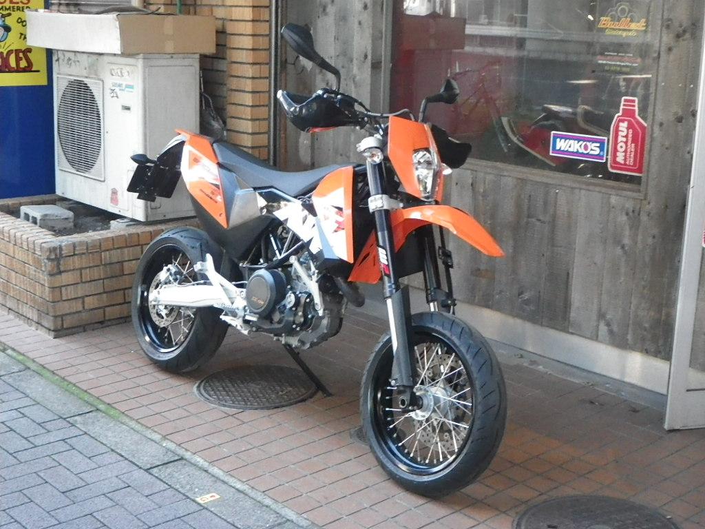 KTM 690SMC 入荷です! SOLDOUT!_e0325011_1161825.jpg