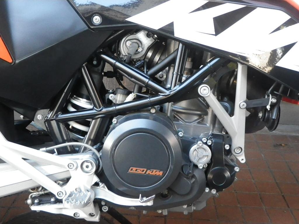 KTM 690SMC 入荷です! SOLDOUT!_e0325011_116455.jpg