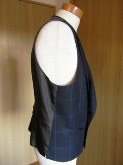 新型「バルマカーンコート」&「ダブルブレスト・ヴェスト」 iwate 仕立て 編_c0177259_2132822.jpg