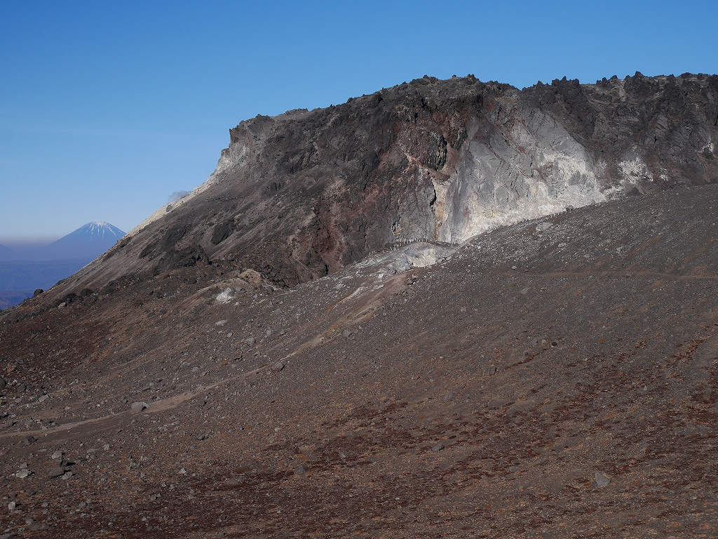 樽前山と風不死岳、11月4日-速報版-_f0138096_15272100.jpg