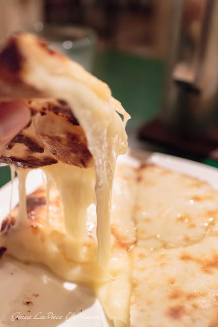 銀座ディナー インドタンドール料理 カイバル チーズクルチャ_b0133053_23473281.jpg