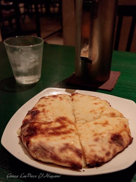 銀座ディナー インドタンドール料理 カイバル チーズクルチャ_b0133053_23473412.jpg