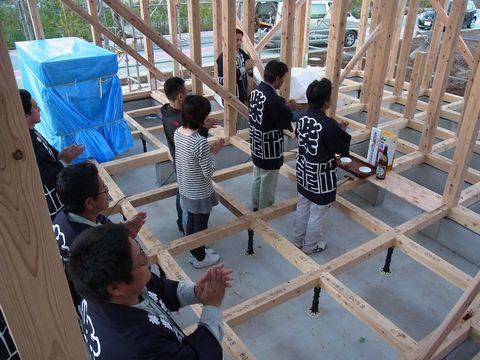 万博記念公園の家が上棟しました。_a0059217_5463637.jpg