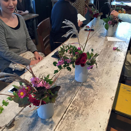 平井かずみサンの花あしらい『陶芸家の器に秋咲きの野の花のしつらえを学ぶ会』_a0251920_11011457.jpg