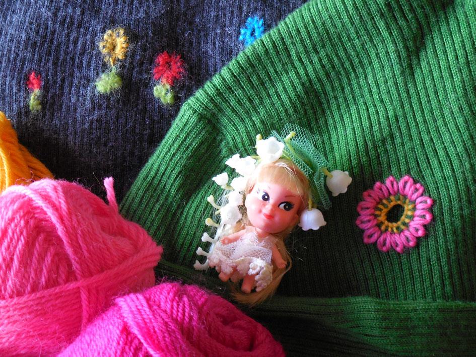 セーターに穴が!_e0147421_2221495.jpg