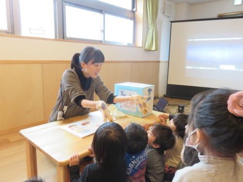 幼児クラスのみんなで手洗いの練習をしました☆_f0327175_18082868.jpg