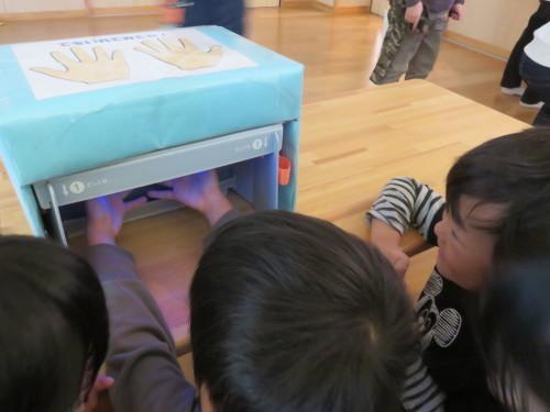 幼児クラスのみんなで手洗いの練習をしました☆_f0327175_18414546.jpg