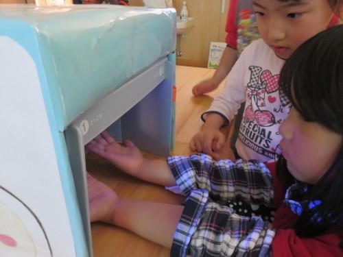 幼児クラスのみんなで手洗いの練習をしました☆_f0327175_18435312.jpg